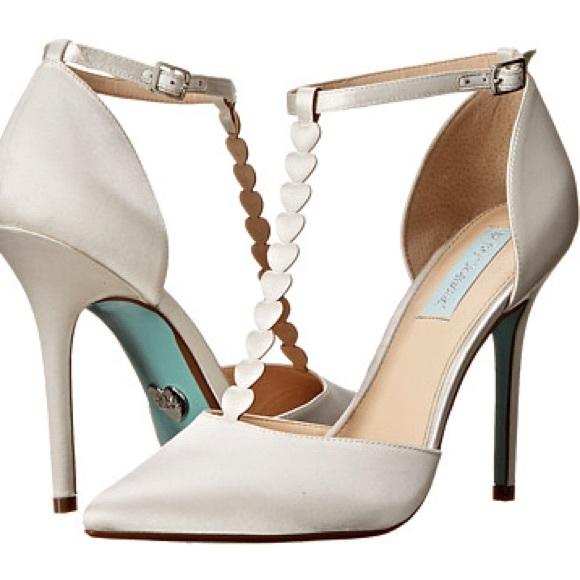 697b810cd35a Classy elegant bridal   wedding shoes heels